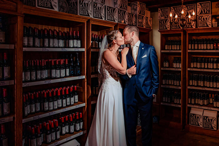 Bruidsreportage bij Biercafé De Molen in Bodegraven.